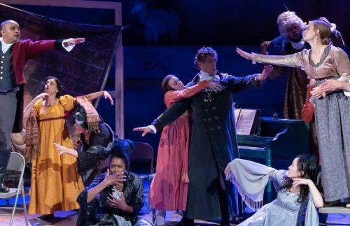 Berita Teater 2021: Persuasion Mendapat Perlakuan Komik