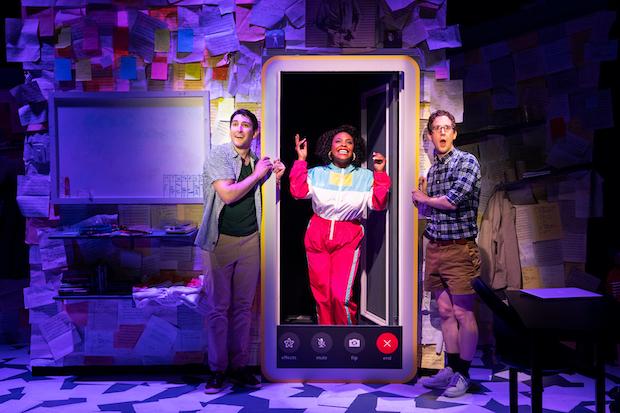 Berita Teater 2021: Dua Penulis Lagu Muda Menulis Jingle
