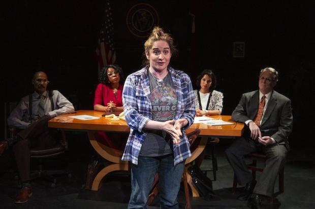 Berita Teater 2021: Hindsight Is 2016 dan Rush Limbaugh